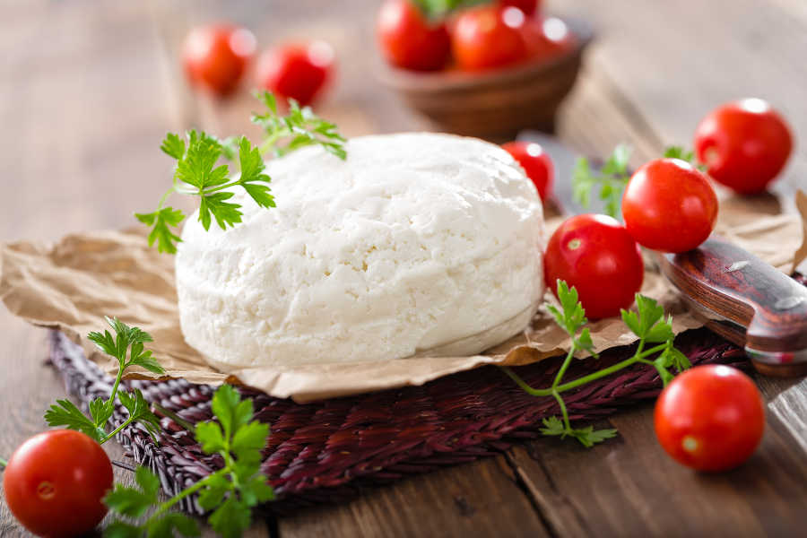 formaggio e pomodorini